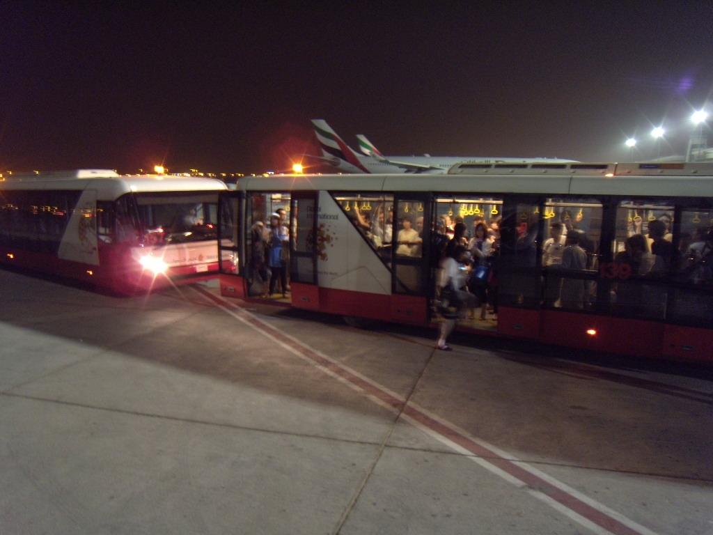 ドバイ空港2
