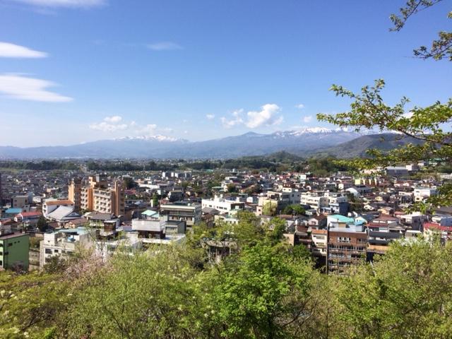 愛宕山公園から見る飯坂の街並み