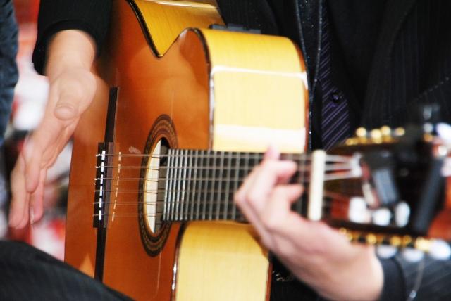 フラメンコギター イメージ